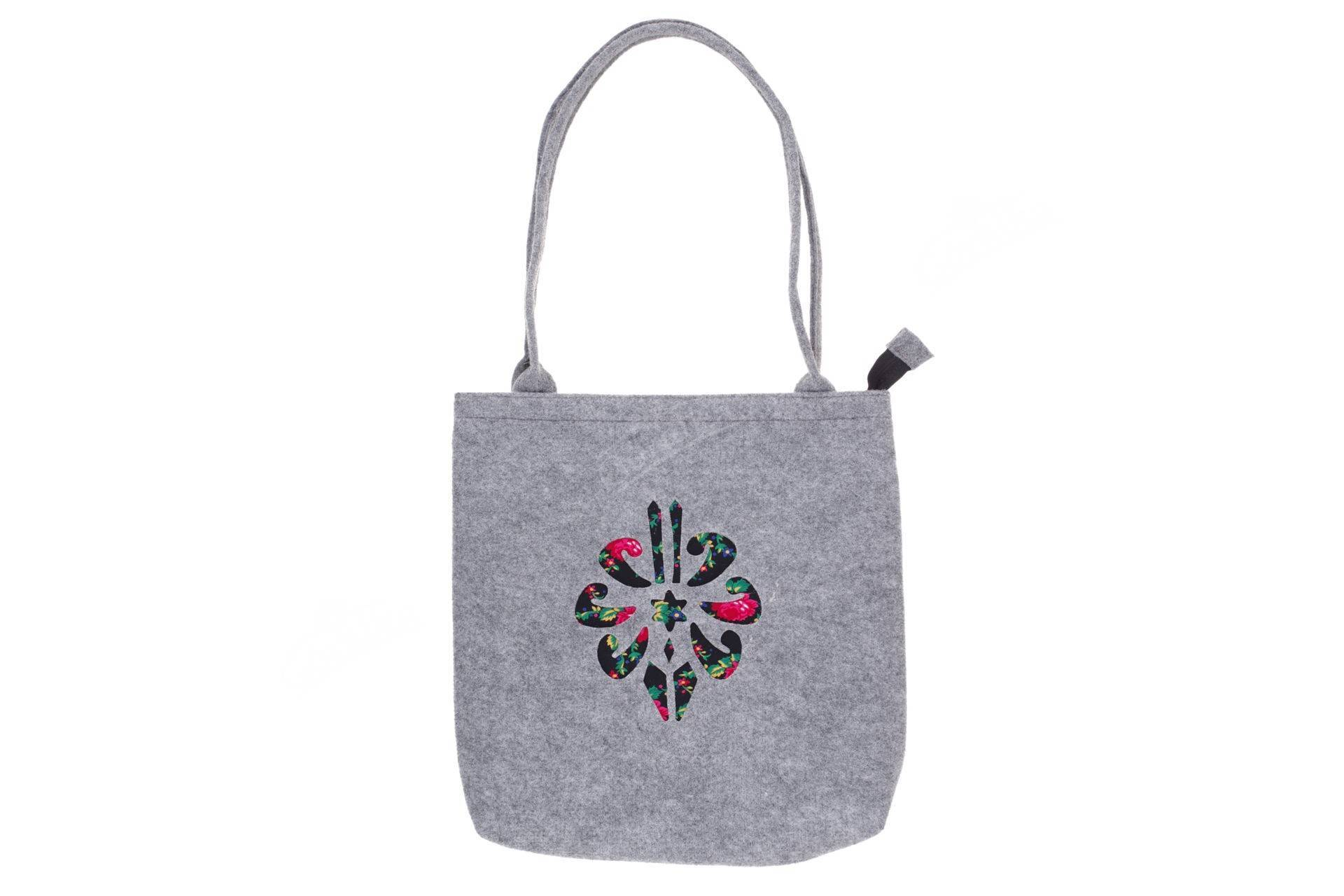 857f3c5e285f9 Torebka filcowa góralska folk torba na zakupy szara z parzenicą czarną