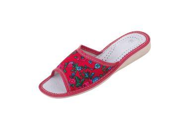"""Pantofle skórzane góralskie """"tybytki"""" czerwone z niebieskim kwiatkiem"""