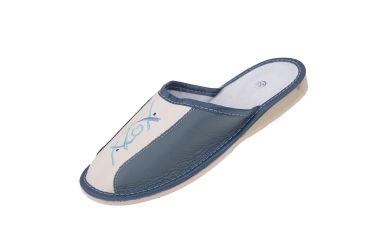 Pantofle skórzane zakryte profilowane kremowo morskie