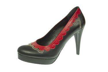 Buty góralskie czółenka stylizowane na szpilce z czerwonym wykończeniem