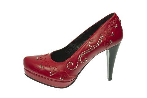 Buty skórzane szpilki na platformie stylizowane góralskie czerwone