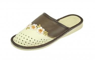 Pantofle skórzane kryte profilowane kremowo brązowe