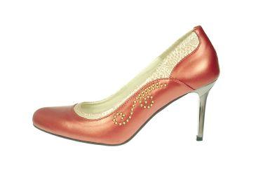 Buty skórzane czółenka szpilki stylizowane góralskie malinowa perła