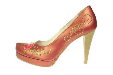Buty góralskie skórzane malowane szpilki stylizowane malinowa perła