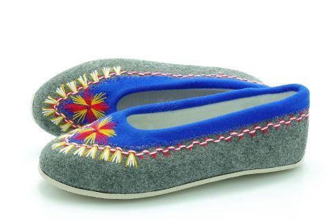 Pantofle regionalne bambosze góralskie filcowe rękodzieło szaro-niebieskie